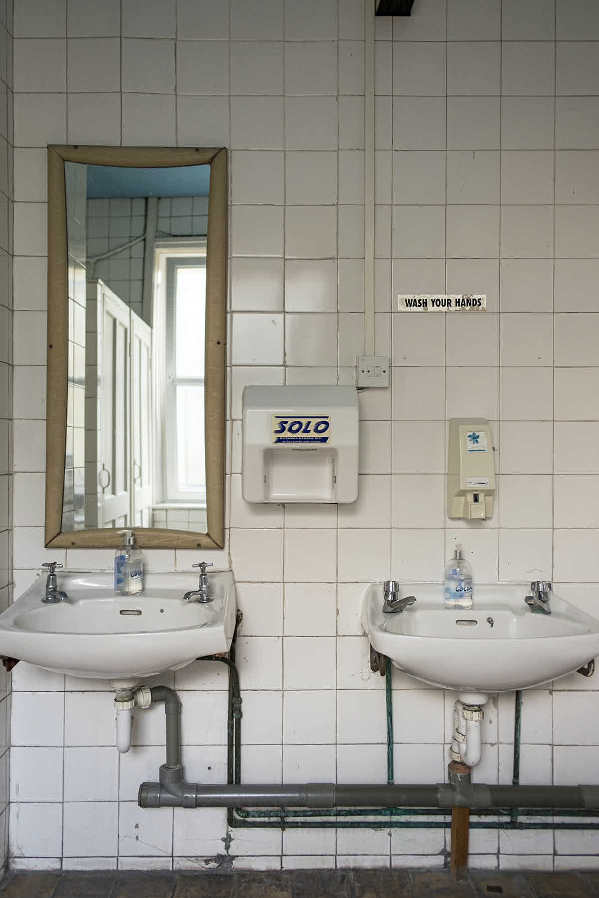An image from Hand Dryers by Samuel Ryde